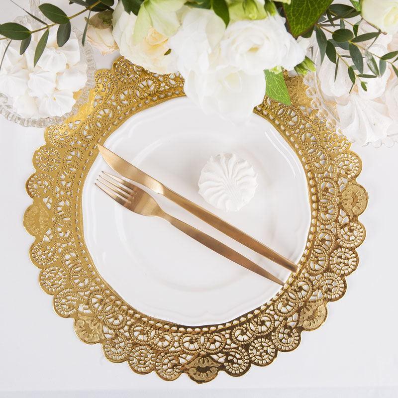 złote serwety pod talerze