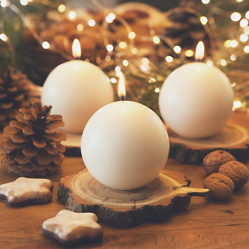 Kremowe świece kule do aranżacji świątecznych
