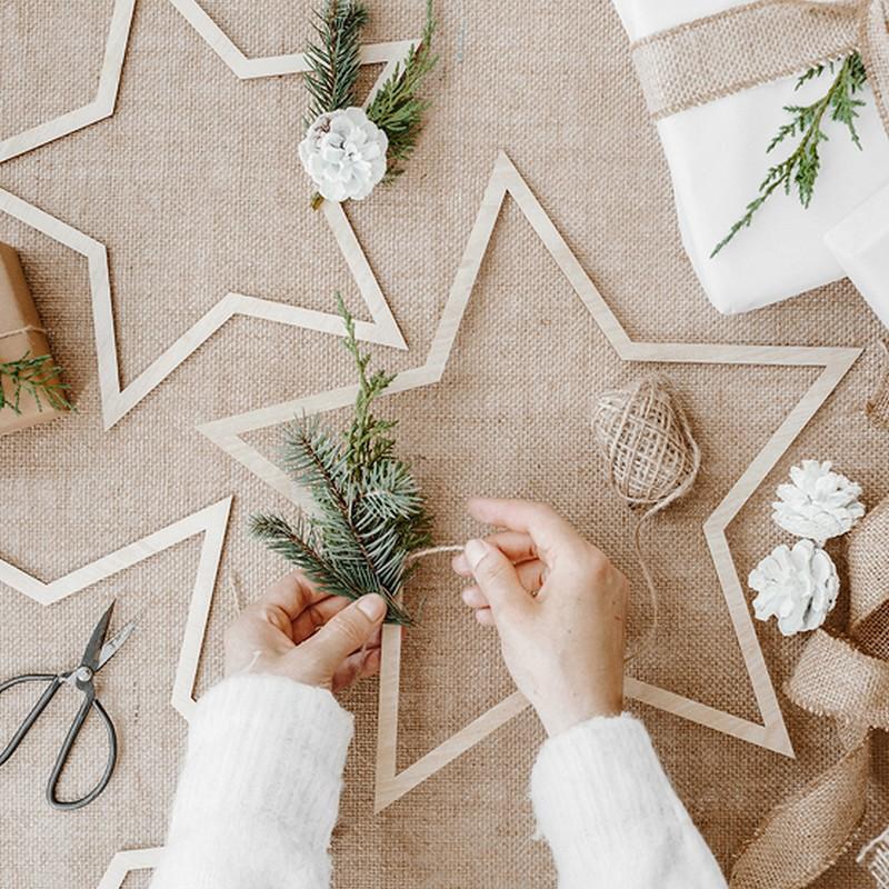 Drewniane gwiazdy dekoracyjne
