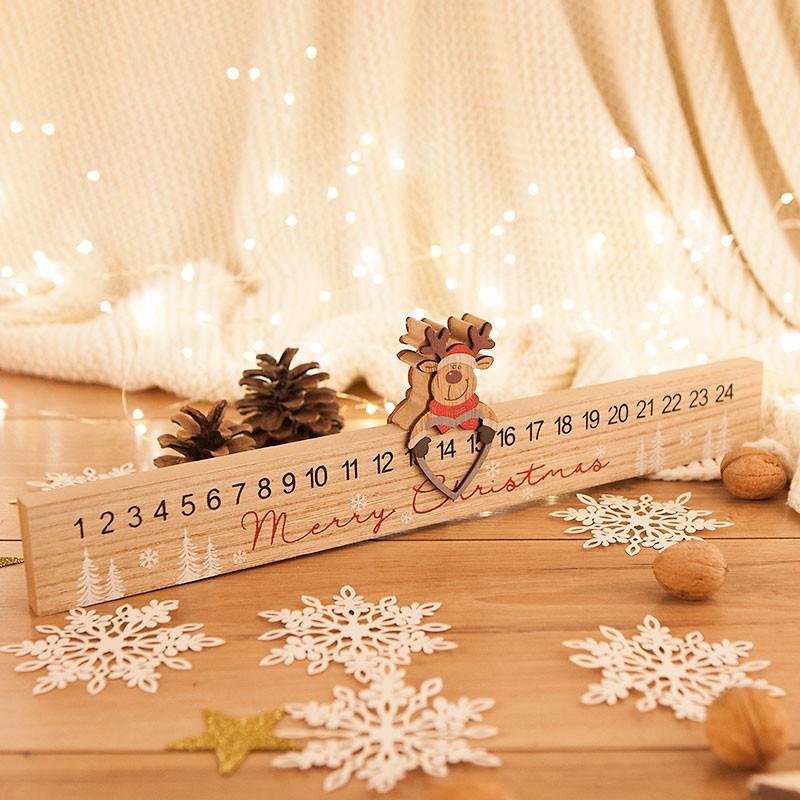 Drewniany kalendarz adwentowy z reniferem