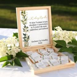 PREZENT na Dzień Dziadka skrzyneczka z czekoladkami Z IMIENIEM Naturalne Kwiaty