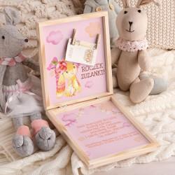 ŻYCZENIA na Roczek pudełko na pieniądze Z PODPISEM Różowy Króliczek