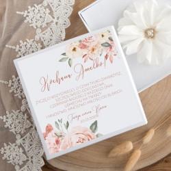 PUDEŁKO na opaskę na główkę prezent IMIĘ Pudrowe kwiaty białe