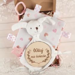 PREZENT na narodziny/Chrzest Z IMIENIEM z zabawką sensoryczną RÓŻ