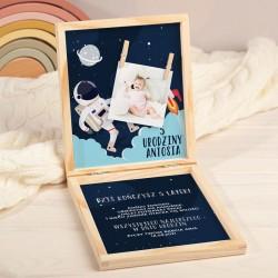 ŻYCZENIA urodzinowe pudełko na pieniądze Z PODPISEM Astronauta