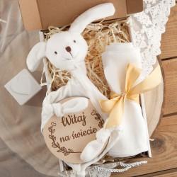 PREZENT na narodziny/Chrzest Z IMIENIEM w pudełku Przytulanka i Pieluszka