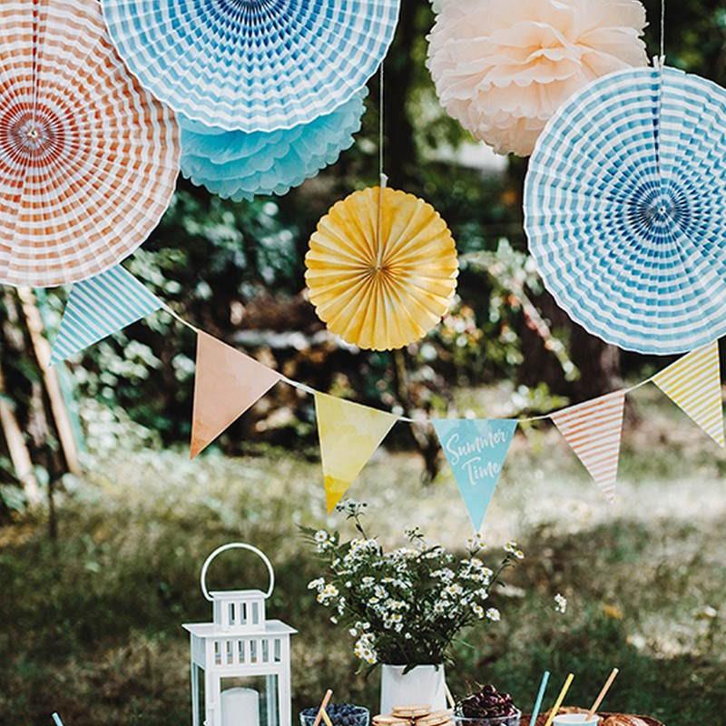 Rozety papierowe na letnie przyjęcie