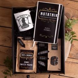 PREZENT dla Nauczyciela Z IMIENIEM z notatnikiem, kawą i herbatą Mega Box II