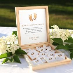 PODZIĘKOWANIE dla Chrzestnych/Dziadków na Chrzest skrzyneczka z czekoladkami Z IMIENIEM Złote Stópki