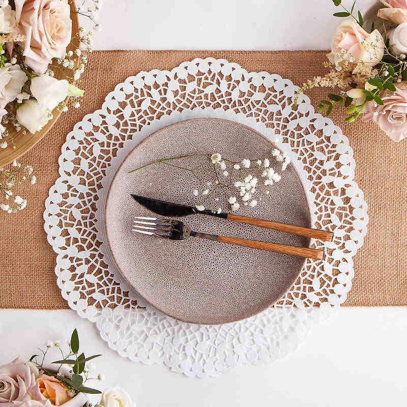 serwety pod talerze białe