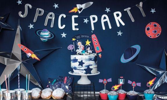Kosmiczne urodzinki chłopca Astronauta
