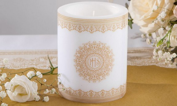 Świece na stół komunijny i świeczniki