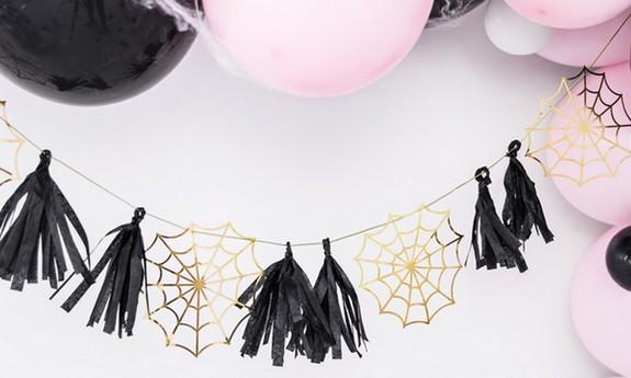 Banery i girlandy na Halloween