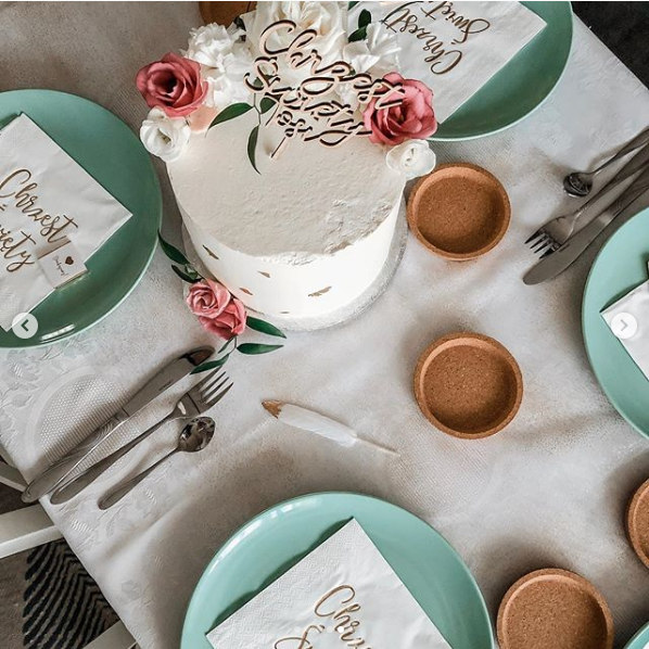 Dekoracje stołu na Chrzest serwetki