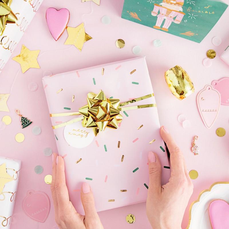 Papier do pakowania prezentów w pięknych wzorach