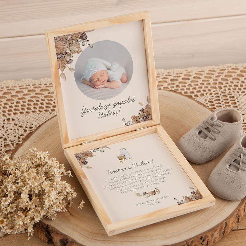 Drewniane pudełeczko z gratulacjami dla Dziadków