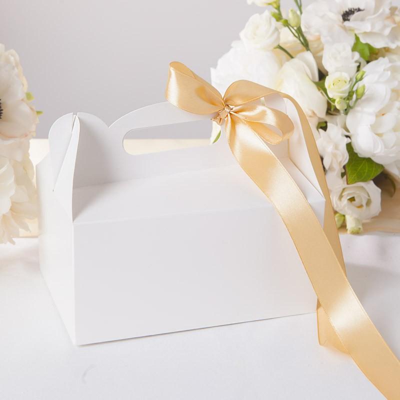 Pudełko na ciasto z rączką do własnej dekoracji